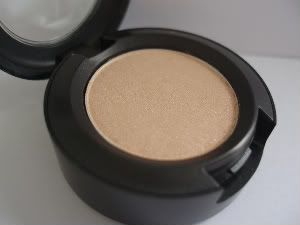 MAC Lustre - Nanogold (N Collection '08)