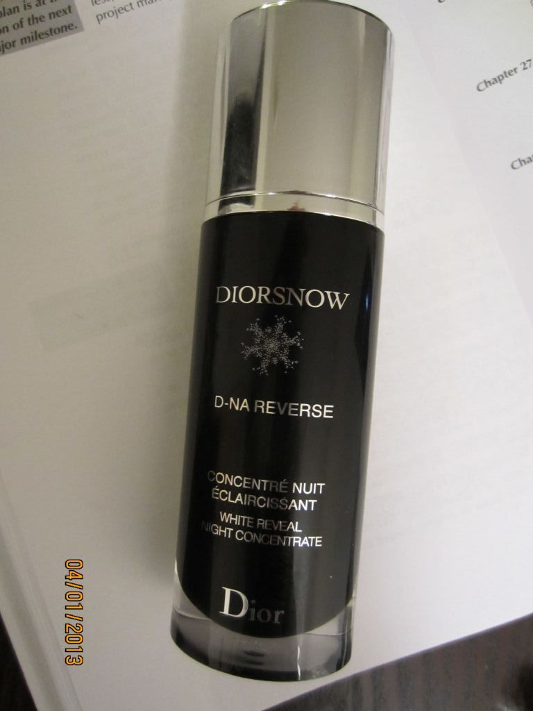 Dior Diorsnow D-NA Reverse White Reveal Night Concentrate