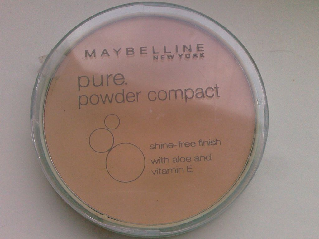 maybelline pure pressed powder - European version (Uploaded by bubbles89)