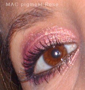 MAC Rose Pigment ♥ (Uploaded by mcorreia)