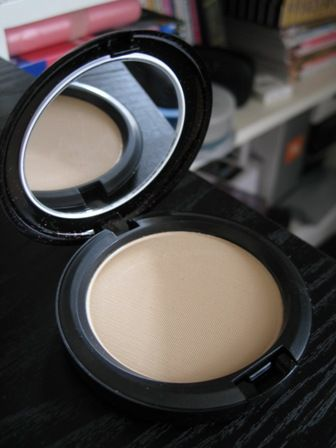 Mac Cosmetics Blot Powder Medium Dark Reviews Photos