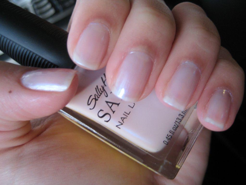 Sally Hansen Salon Nail Lacquer in Sheerly Beloved reviews, photos ...