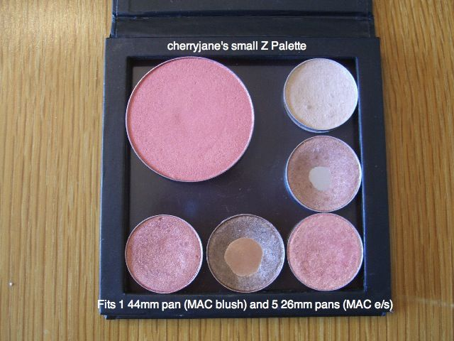 ... Small Z Palette with 1 MAC blush, ...