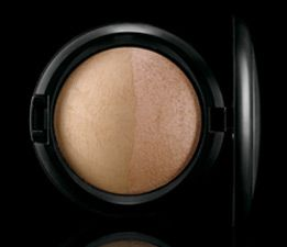 MAC Mineralize Skinfinish Duo in Light Medium Natural / Shimmer