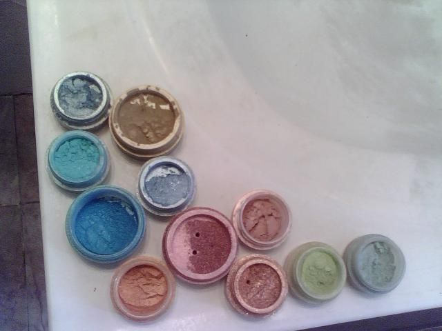 Earth-Glo Minerals Eyeshadows! 2 (Uploaded by divadenah)