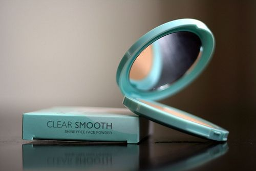Maybelline Clear Smooth Shine Free Face Powder reviews, photo ...