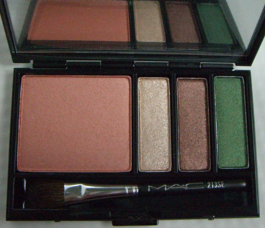 MAC Trip:4 Warm Face Palette (Uploaded by syeung2)
