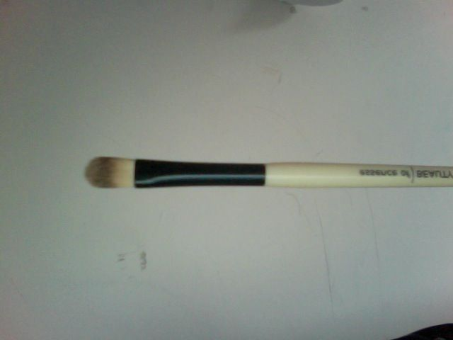 Essence of Beauty Concealer Brush