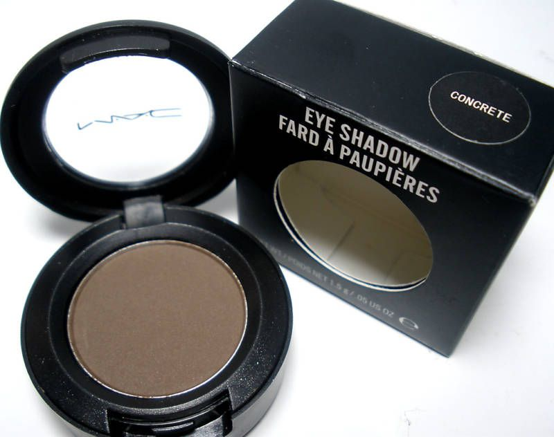 Mac Shadows For Brows