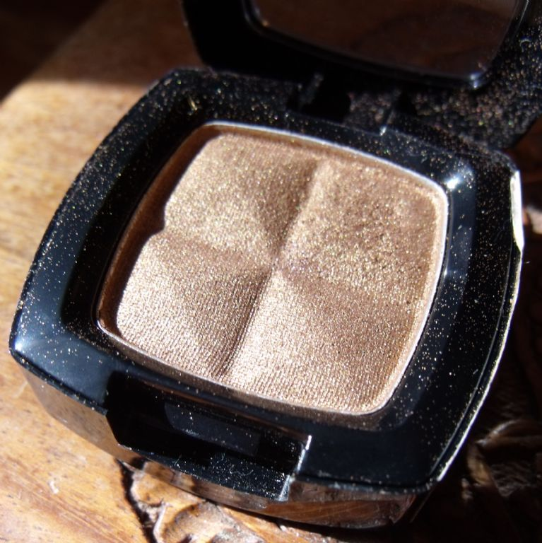 Nyx Professional Makeup Single Eye Shadow Champagne Reviews