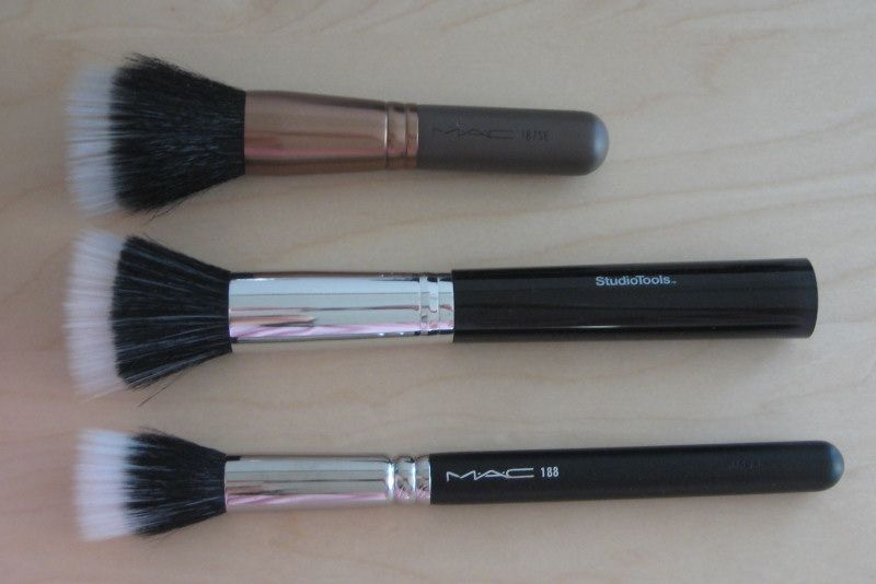 Mac 187 Duo Fiber Face Brush Stippling Skunk Brush
