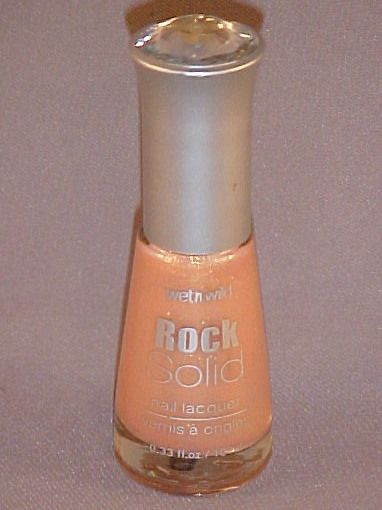 Wet 'n' Wild Rock Solid Nail Lacquer - Pretty In Pink Diamonds 223