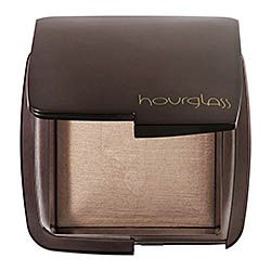 Hourglass Ambient Lighting Powder in Dim Light