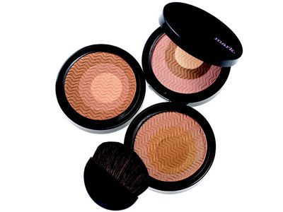 mark glowdacious illuminating powder