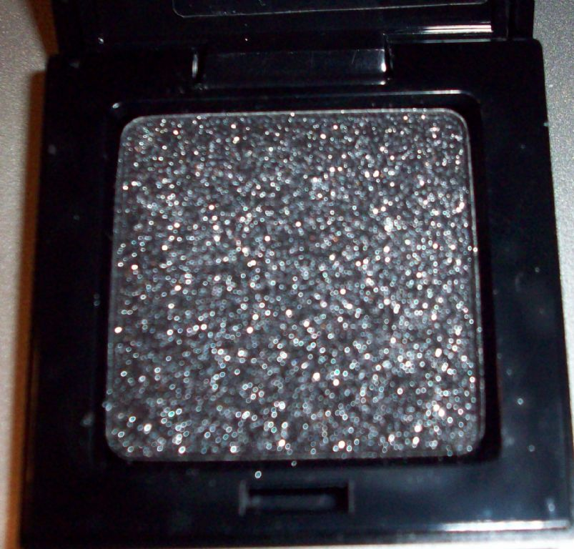 Victoria's Secret Silky Eye Shadow in Fierce