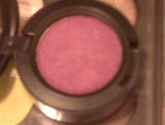 MAC Veluxe Pearl - Plum Dressing