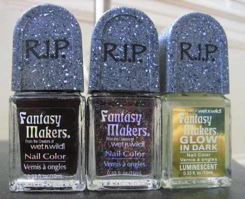Wet 'n' Wild Fantasy Makers Nail Color in Black Magic