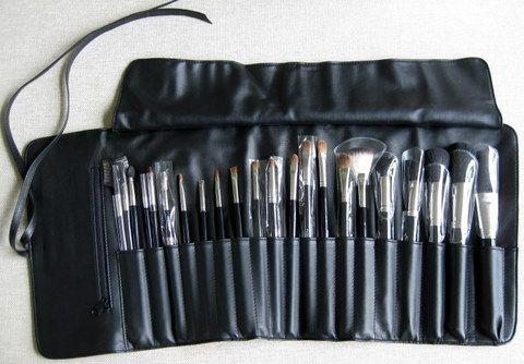 napoleon perdis leather brush roll with 22 brushes full