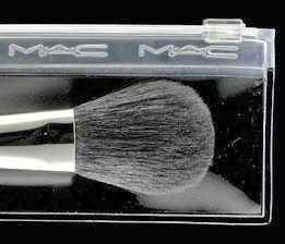 MAC #129 SH Short Handled Powder/Blush Brush