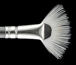 MAC 205 Mascara Fan Brush