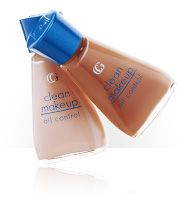 COVERGIRL Clean Matte Liquid Makeup Oil Control