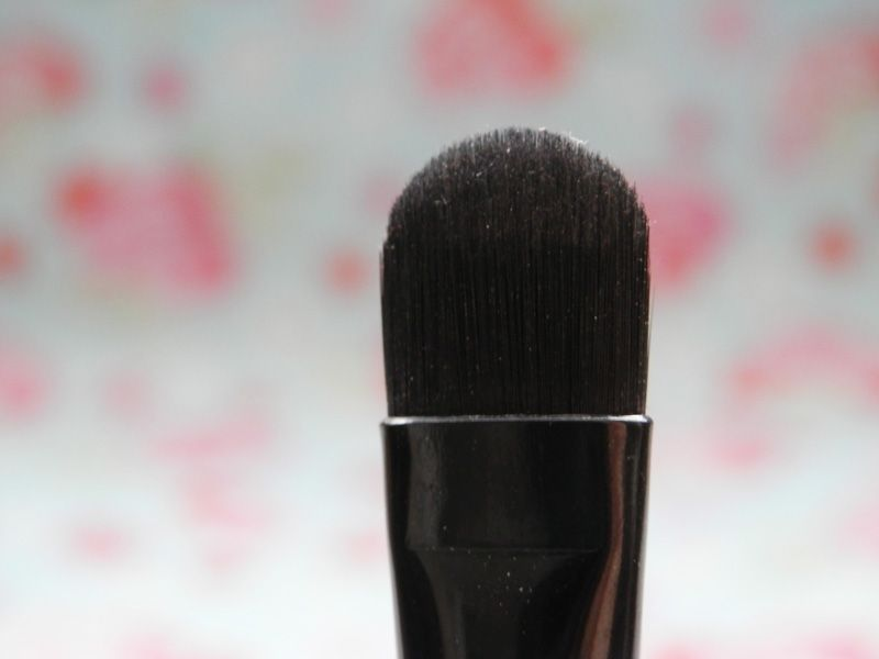 E.L.F. Studio Concealer Brush