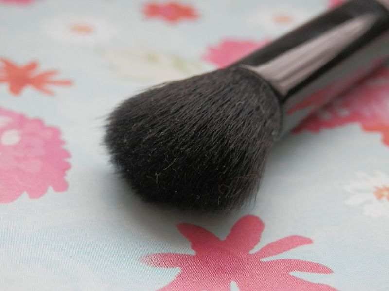 E.L.F. Studio Flawless Concealer Brush (Uploaded by TurtleMoon)