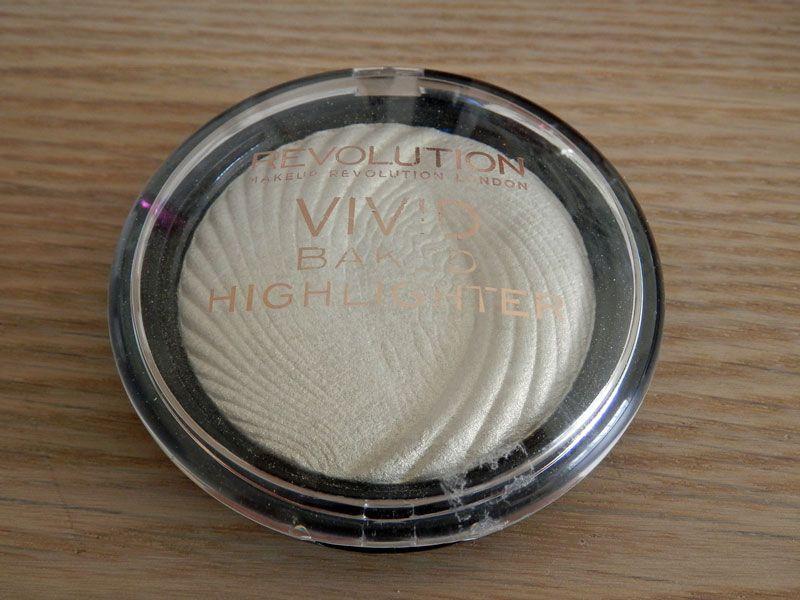 Makeup revolution highlighter review