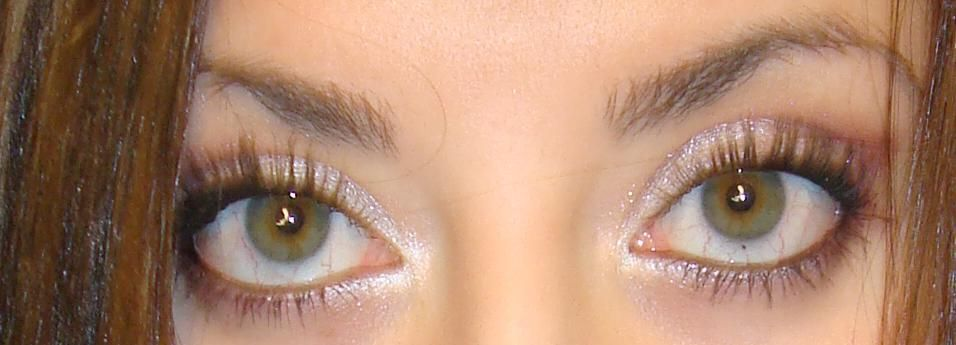 Maybelline colossal mascara in glam black