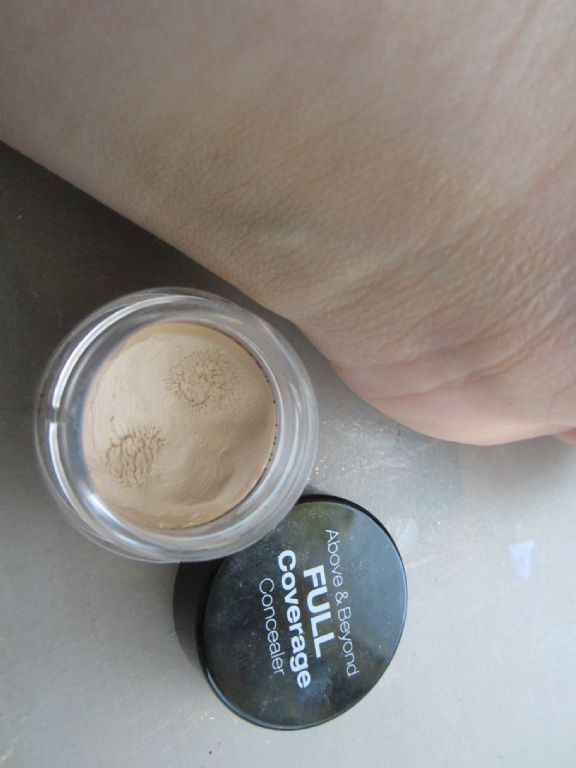 Nyx Professional Makeup Full Coverage Concealer Jar