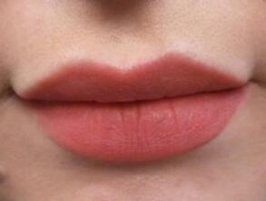 Nars Cosmetics Velvet Matte Lip Pencil In Dolce Vita