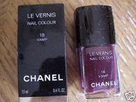 Le Vernis Nail Colour in Vamp #18