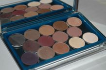 Unii Cosmetics Palette