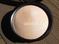 Baked Highlighter in French Vanilla