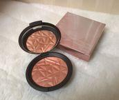 Shimmering Skin Perfector Pressed - Rose Gold