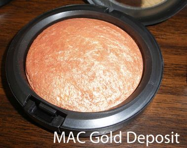 MAC Mineralize Skinfinish in Gold Deposit (Rococo)