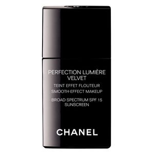 CHANEL Perfection Lumiere Velvet Smooth Effect Makeup SPF15
