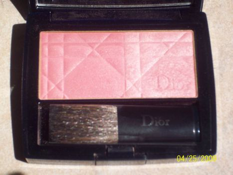 Diorblush Glowing Powder in Strawberry Sorbet 943 (Uploaded by 800256)