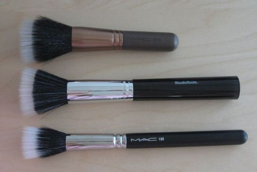 MAC and ST skunk brushes (Uploaded by starrysim)